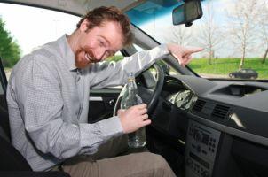 Alkohol in der Probezeit: Der Führerschein wird eingezogen, die Teilnahme an einem speziellen Aufbauseminar verpflichtend.