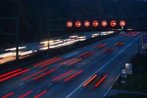 So teuer sind Vergehen auf der Autobahn