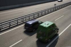 Auf der Autobahn gilt eine Richtgeschwindigkeit von 130 km/h