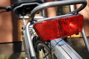 Fahrradbeleuchtung: Die StVZO schreibt genau vor, welche Lampen und Strahler wo angebracht werden müssen.