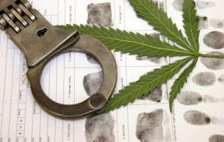 Fahrverbote werden häufig wegen Drogen oder Alkohol am Steuer ausgesprochen.