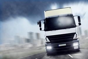 Die zulässige Höchstgeschwindigkeit von Lkw muss eingehalten werden.
