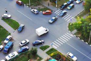 Beim links Abbiegen ist auf den nachfolgenden Verkehr zu achten