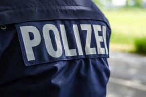 Während einer Polizeikontrolle darf die Polizei Füherschein und Fahrzeugpapiere kontrollieren
