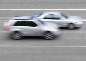 Als Wiederholungstäter gelten Fahrer, die 2 mal innerhalb eines Jahres eine Geschwindigkeitsüberschreitung von 26 km/h oder mehr begehen
